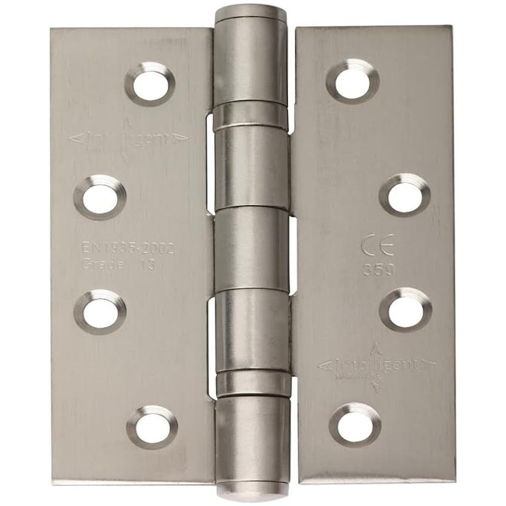 Advantages of bearing hinges 82