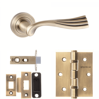 Old English Richmond Lever On Round Rose 2.5'' Latch Handle Pack, Matt Antique Brass (OE110MAB-2.5-LATCH-PACK)