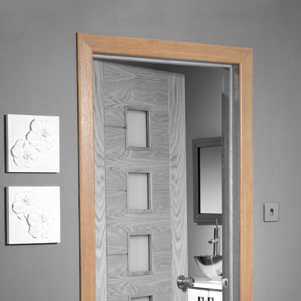 Architrave door architrave and door detail victorian for Door architrave
